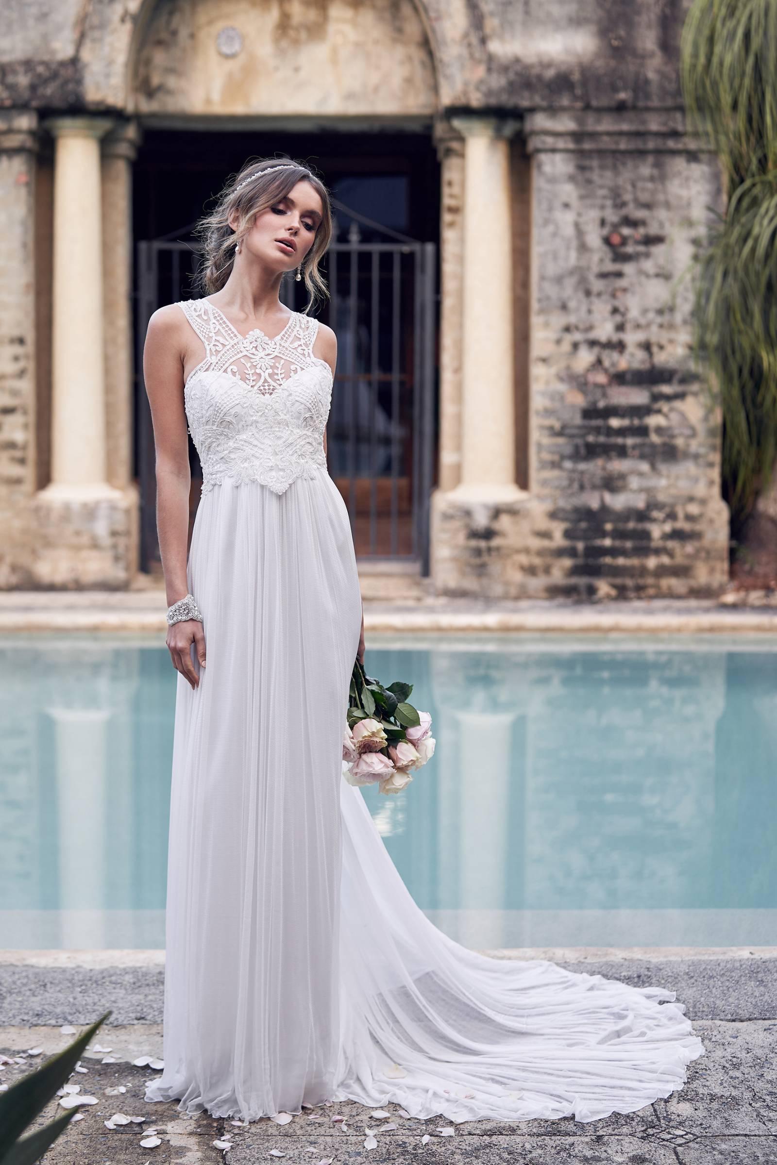5 Boho Chic Beach Wedding Dress Designers | Hawaii Wedding Gown ...