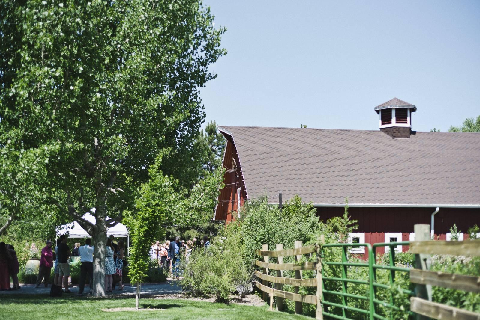 Colorado Barn Wedding | Denver Real Wedding