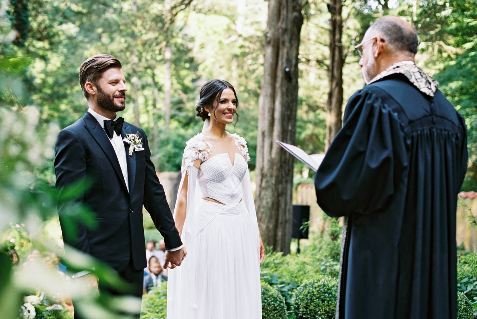Enchanting NYC wedding in a sunken garden with a brass band