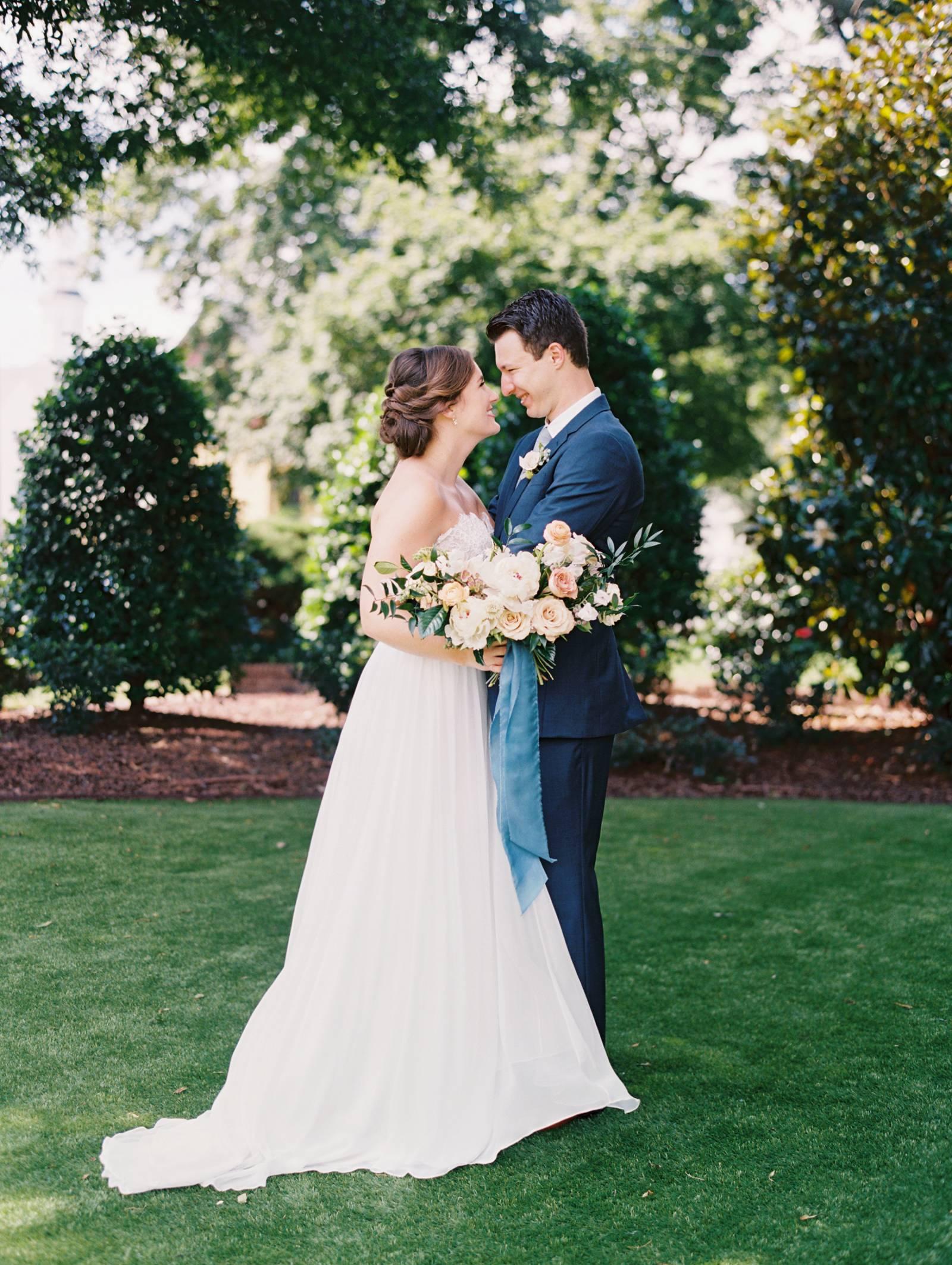 A Colourful Organic Wedding At And Historic North Carolina Estate
