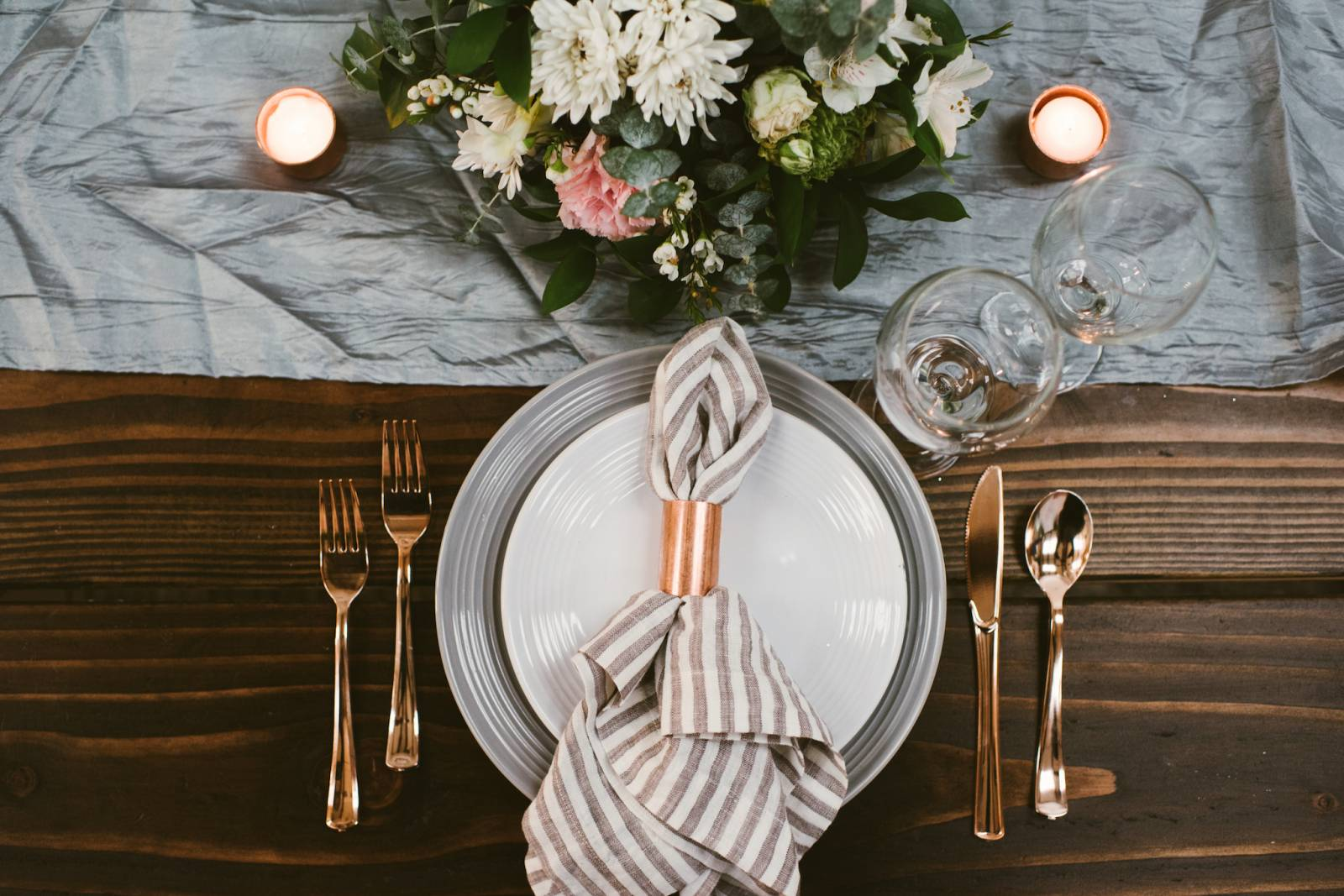 4 Ways To Add Copper Bling To Your Wedding Day