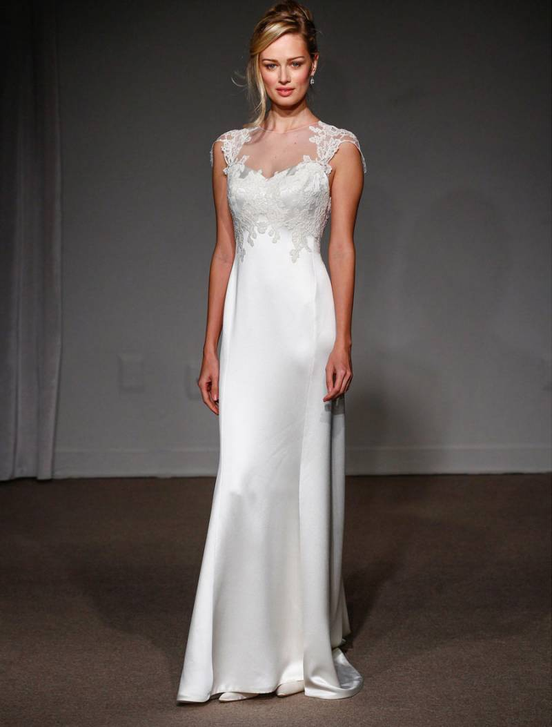 How to buy a stunning wedding dress without breaking the for Wedding dress sample sale houston