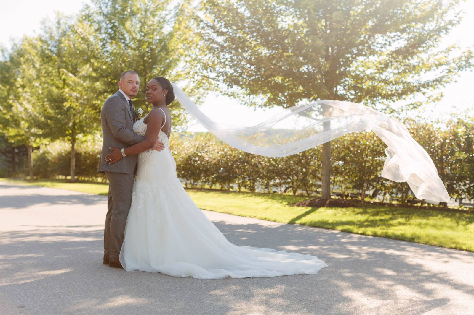 A Vintage-Glam Ontario Wedding