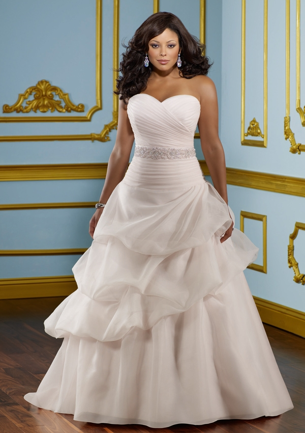 The Curvy Bride: Plus Size Gowns 101