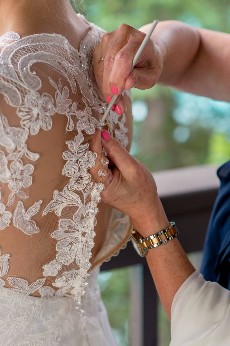 065e580211fd ... zipper breaking on a wedding dress moments before the wedding ceremony  several times. Having a needle and thread and a pair of scissors so the bride  can ...