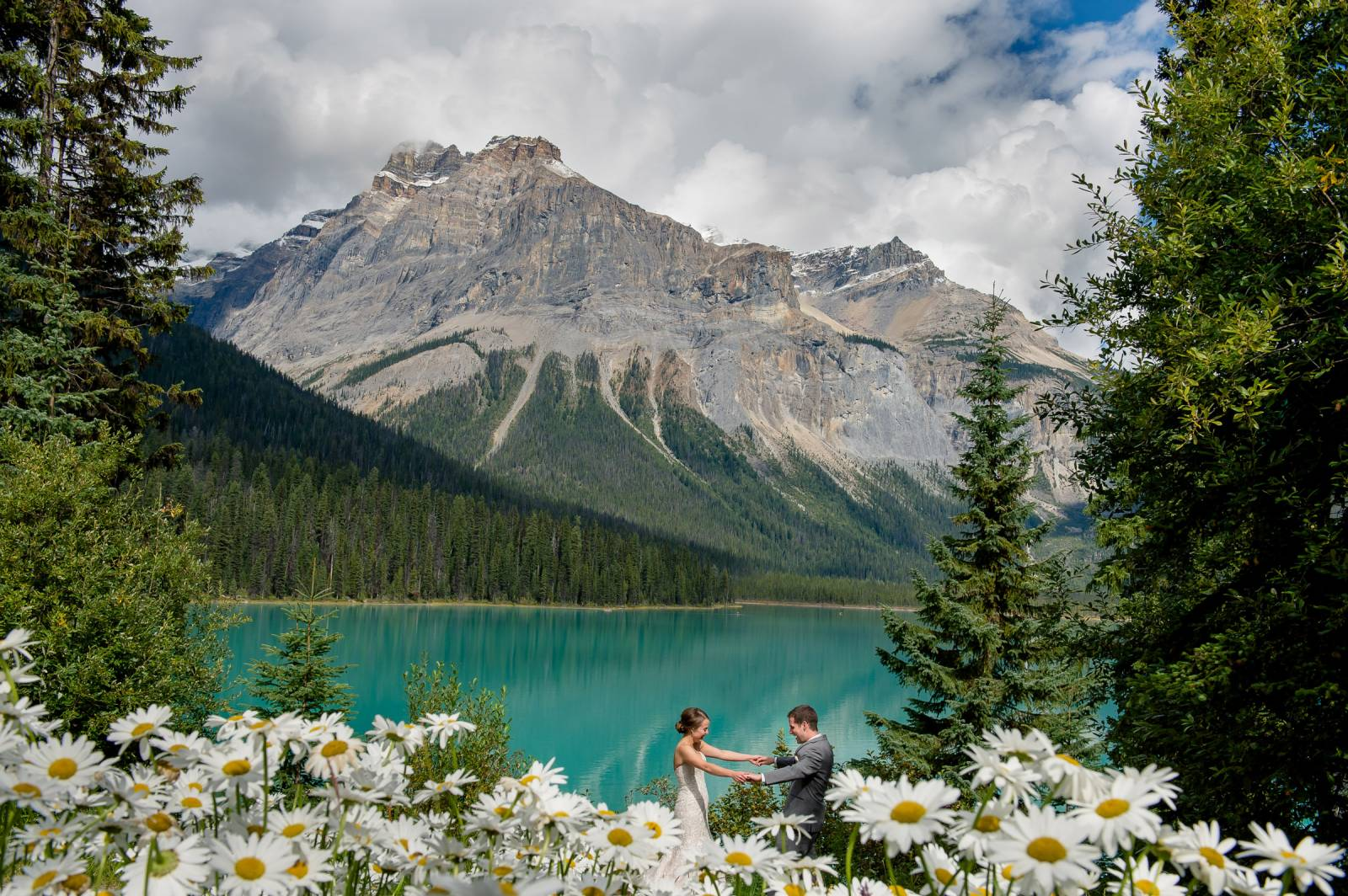 Places to elope in the canadian rockies for Best destinations to elope