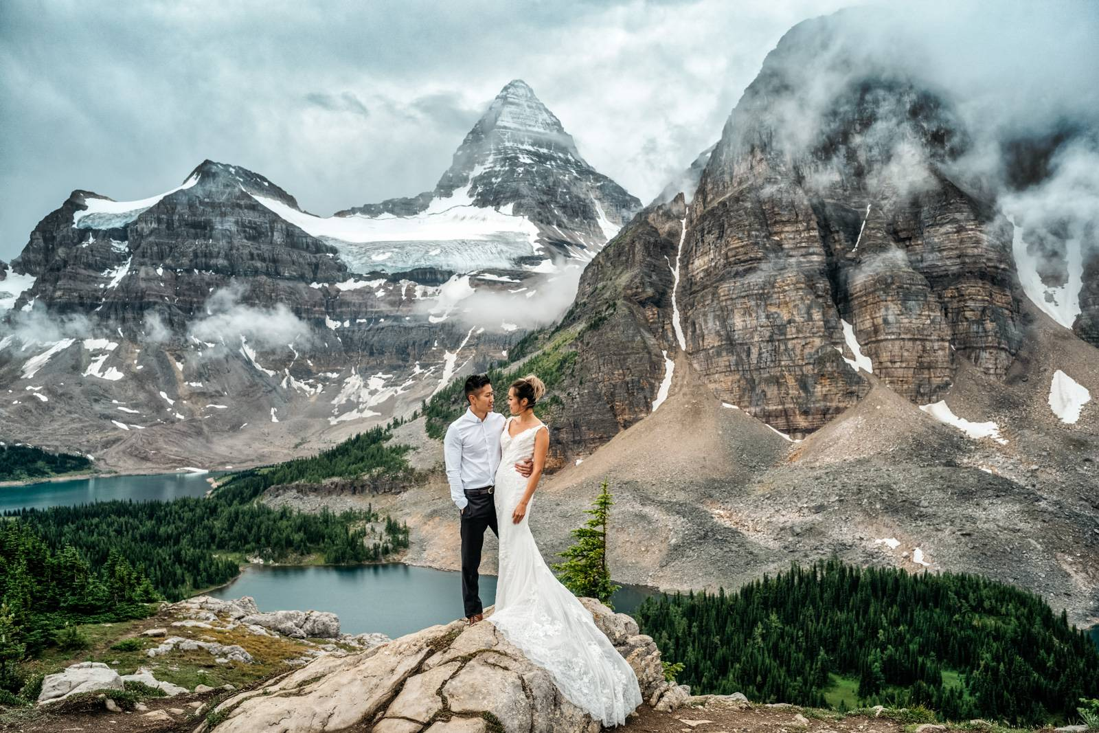 Mount Assiniboine hiking elopement.