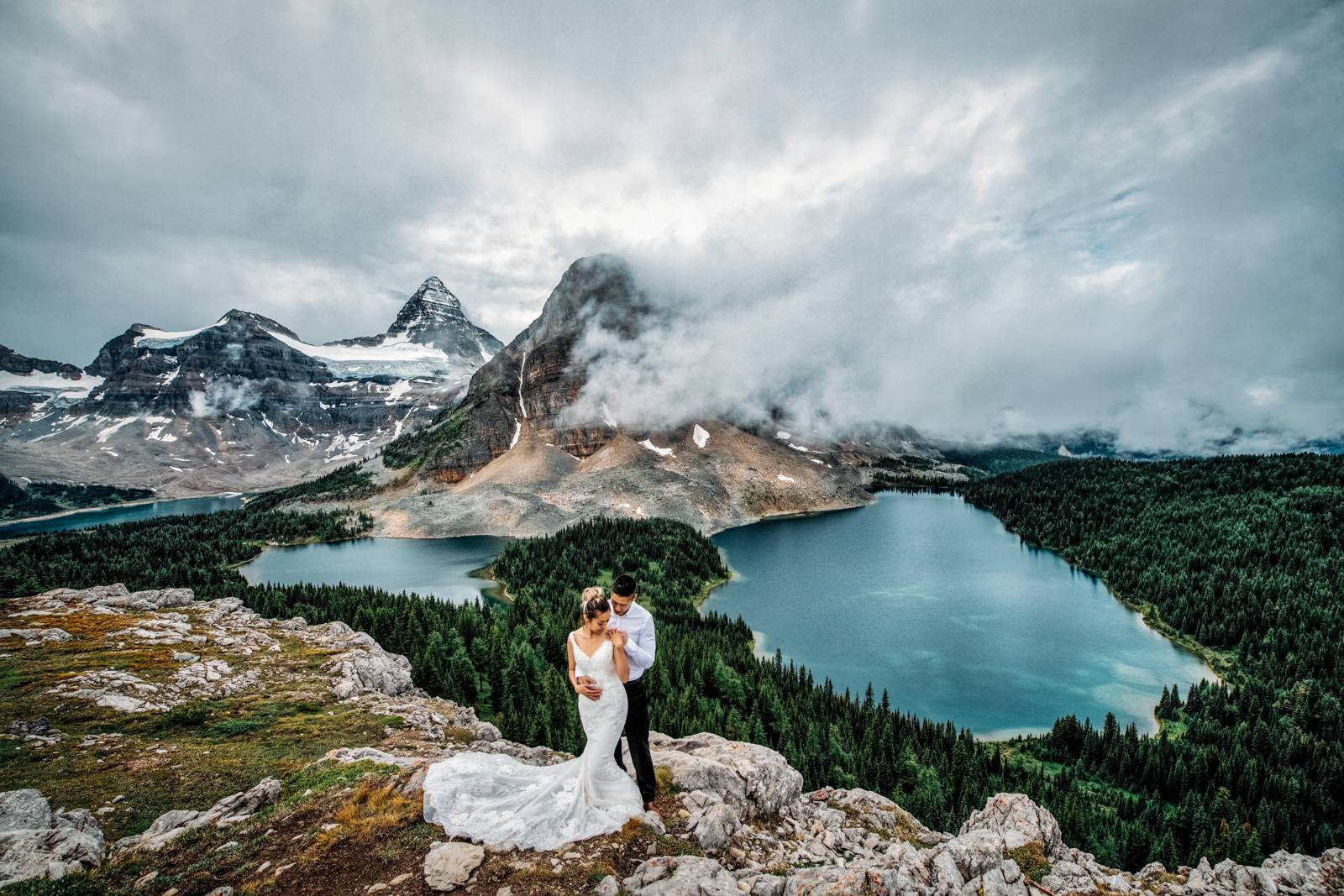 Mount Assiniboine elopement photographer.