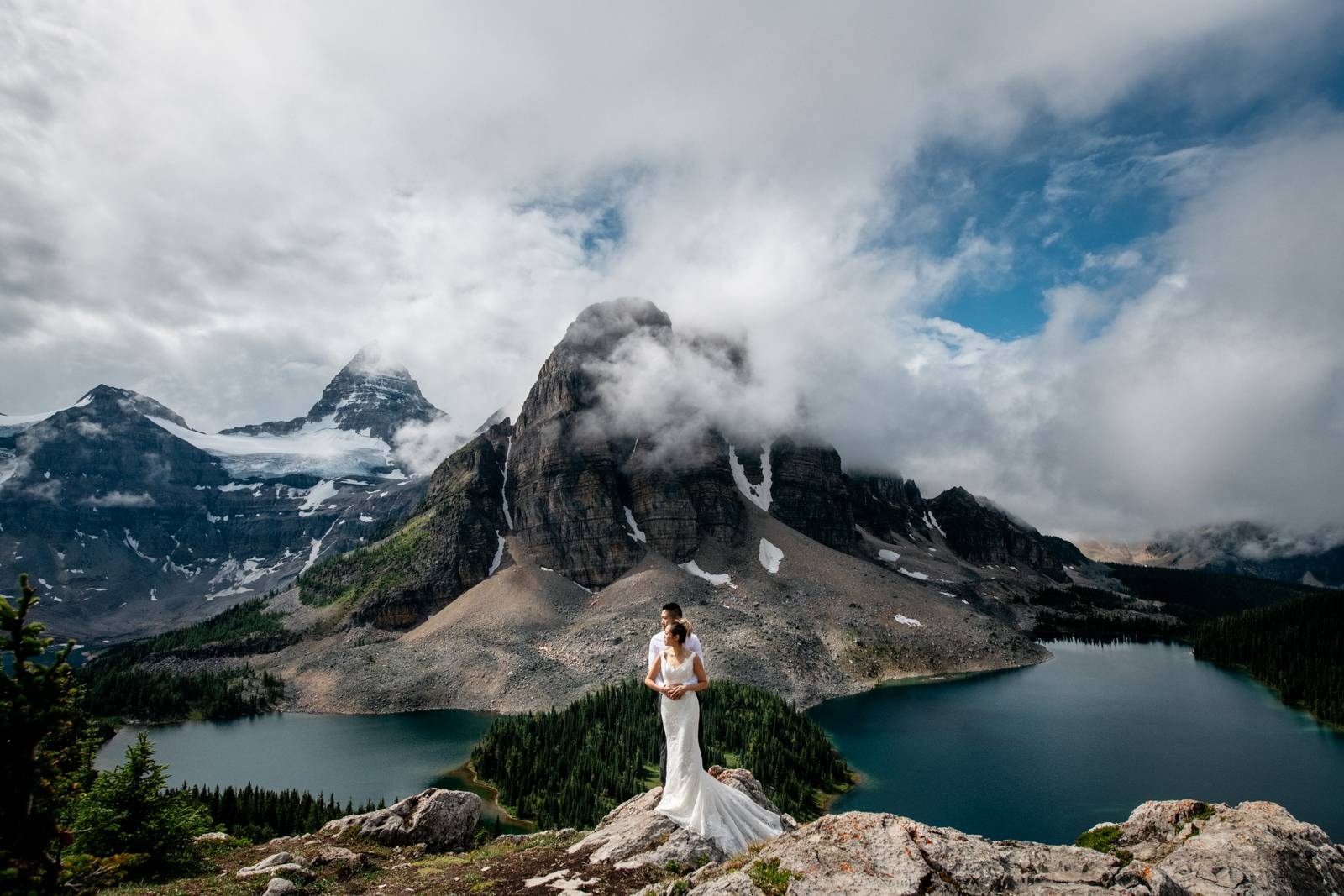backpacking-hiking-adventure-elopement
