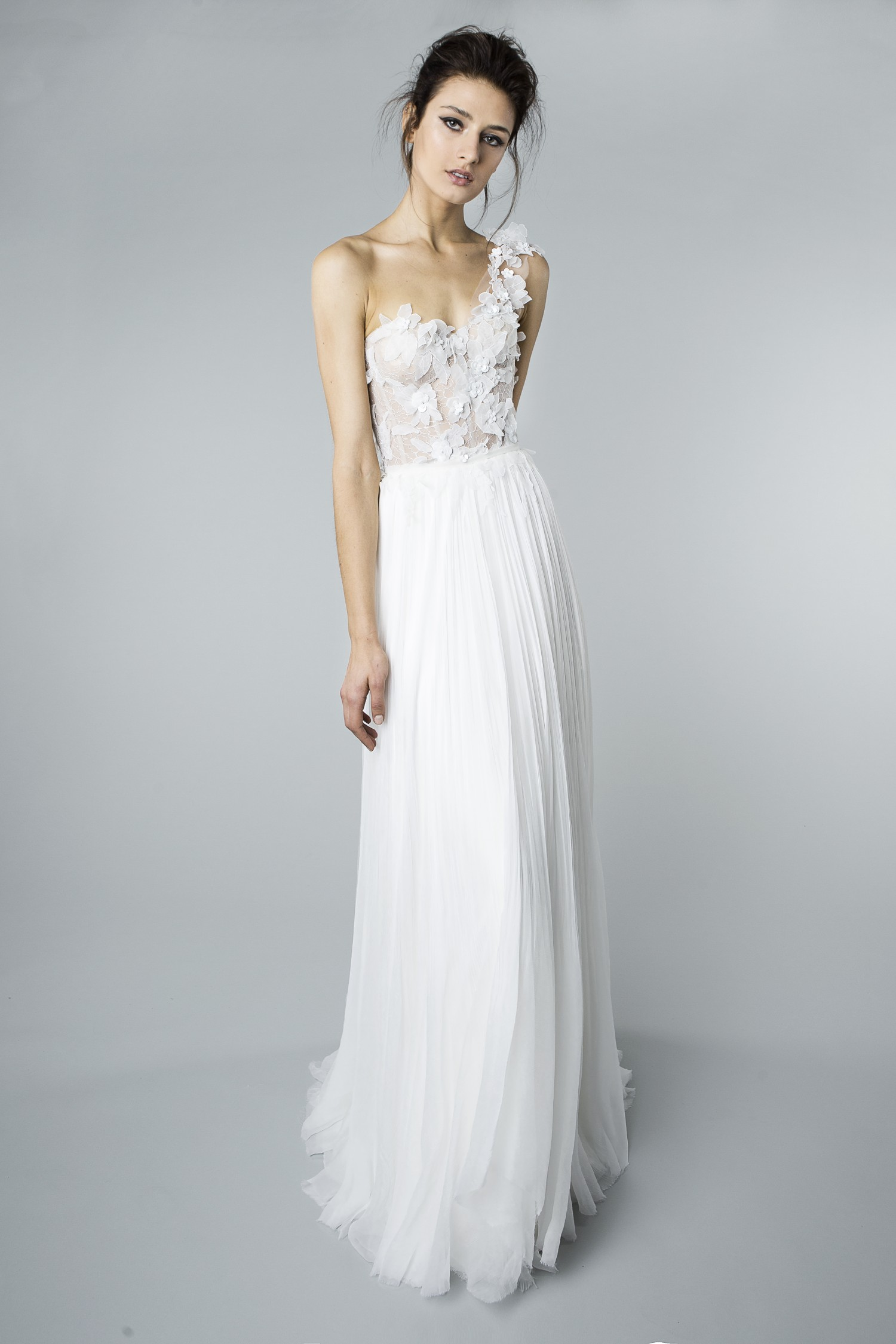 10 Dresses Perfect For A Beach Wedding | Hawaii Wedding Gown ...