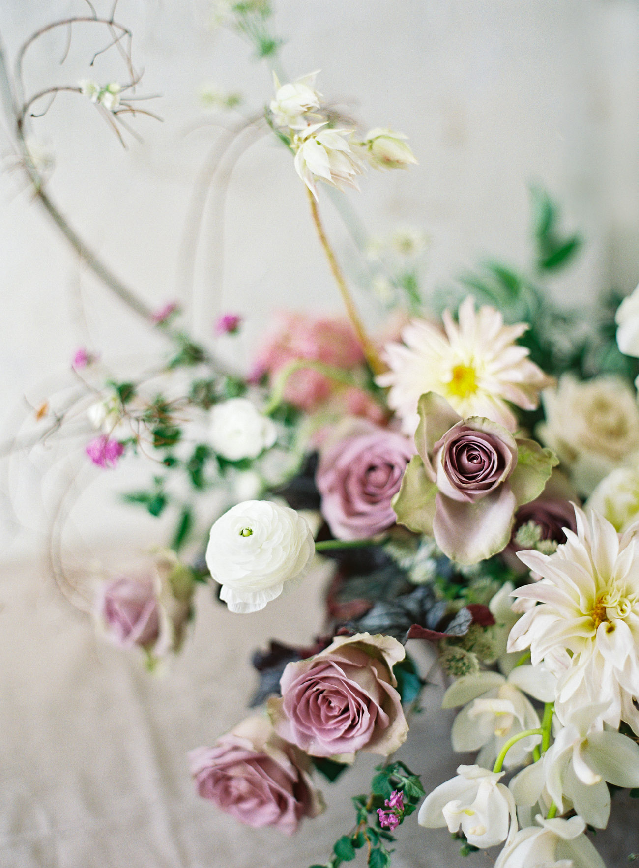 neutral wedding floral inspiration