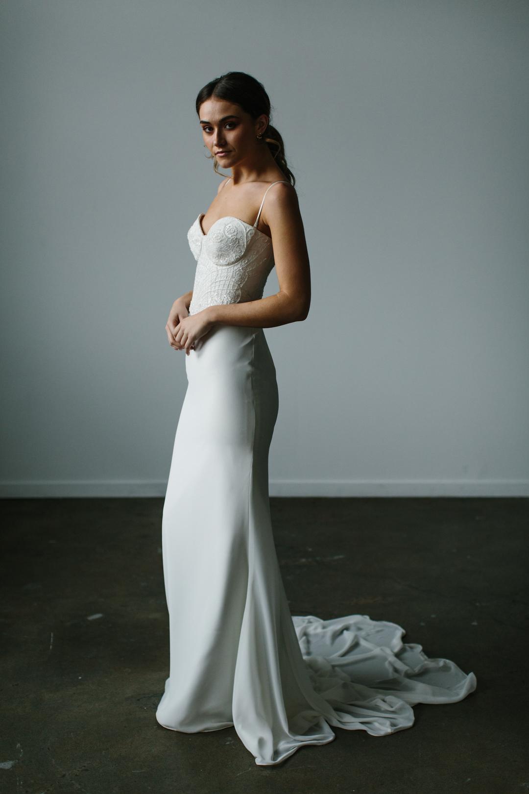 Karen Willis Holmes Bespoke Limited Edition   Wedding Gown