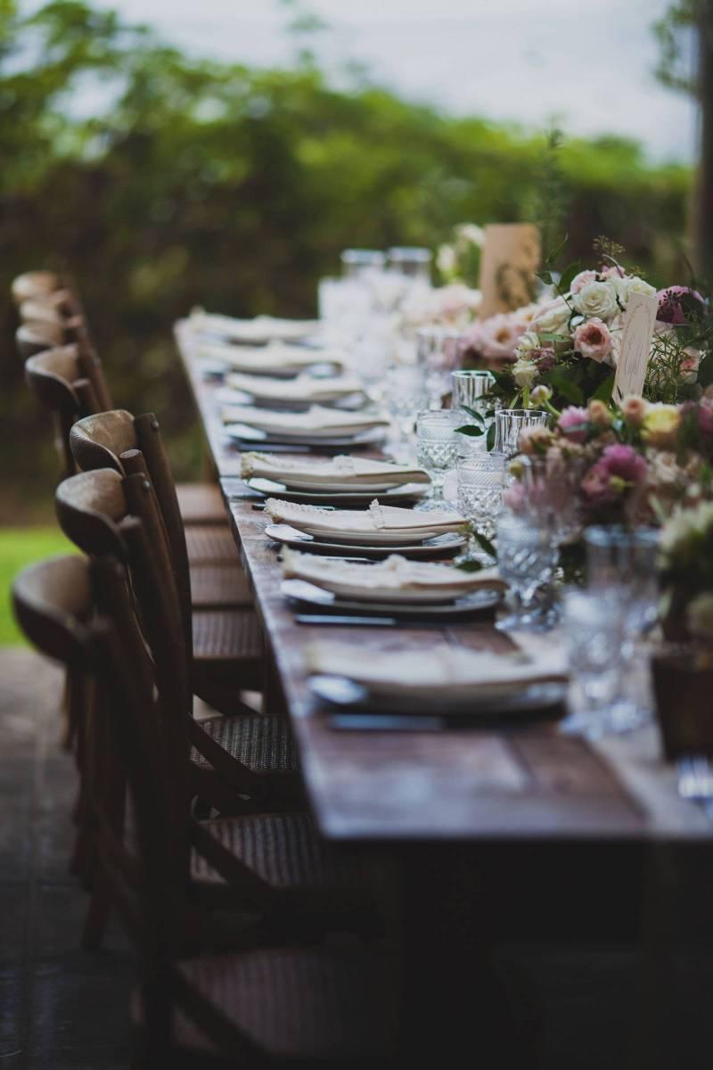 Organic Vineyard Wedding At Mauis Italian Villa Kula Real Wedding