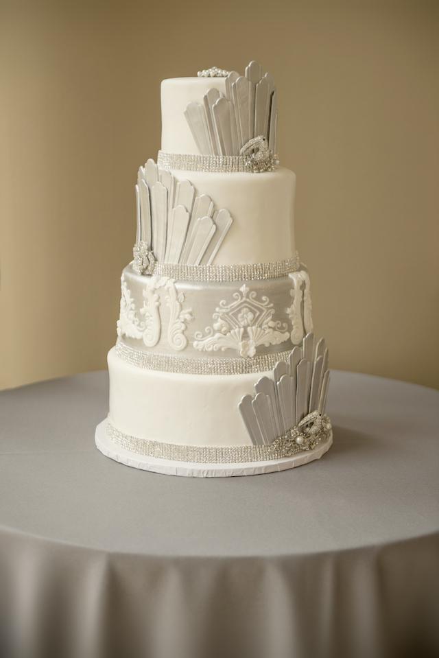 9 Lovely Lush Wedding Cake