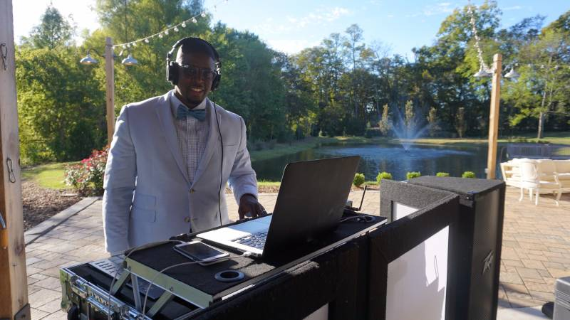 Must Play Songs For Your Wedding Reception By Nashville Dj