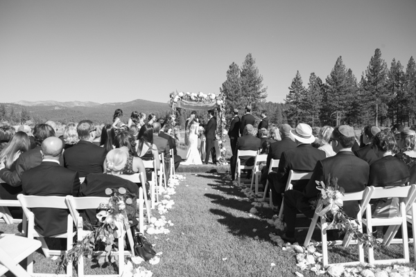 Elegant-Truckee-Wedding-Ceremony-1