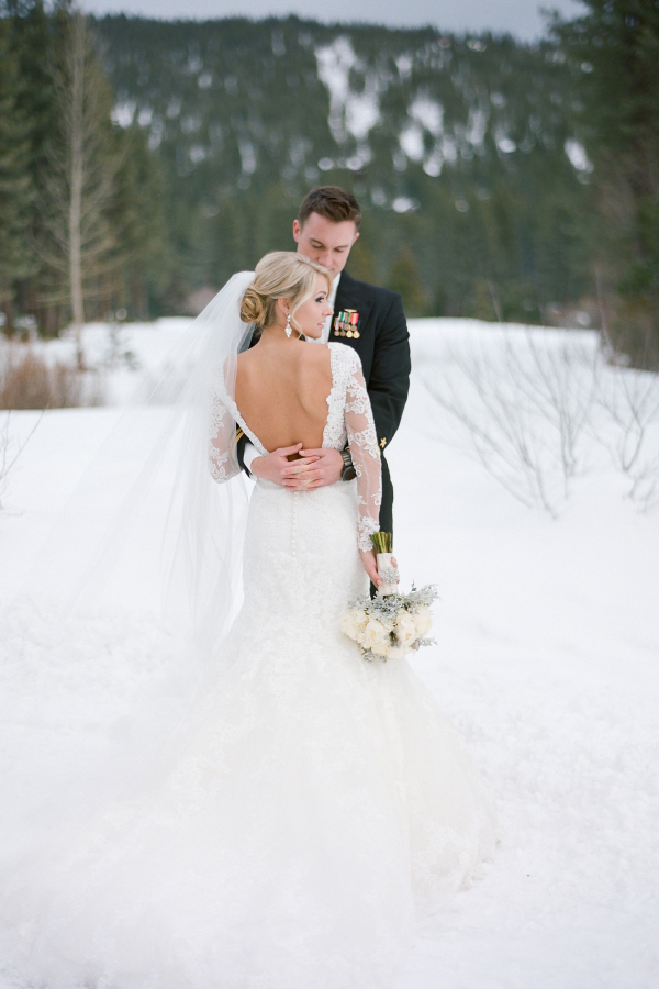 lake-tahoe-winter-wedding-11