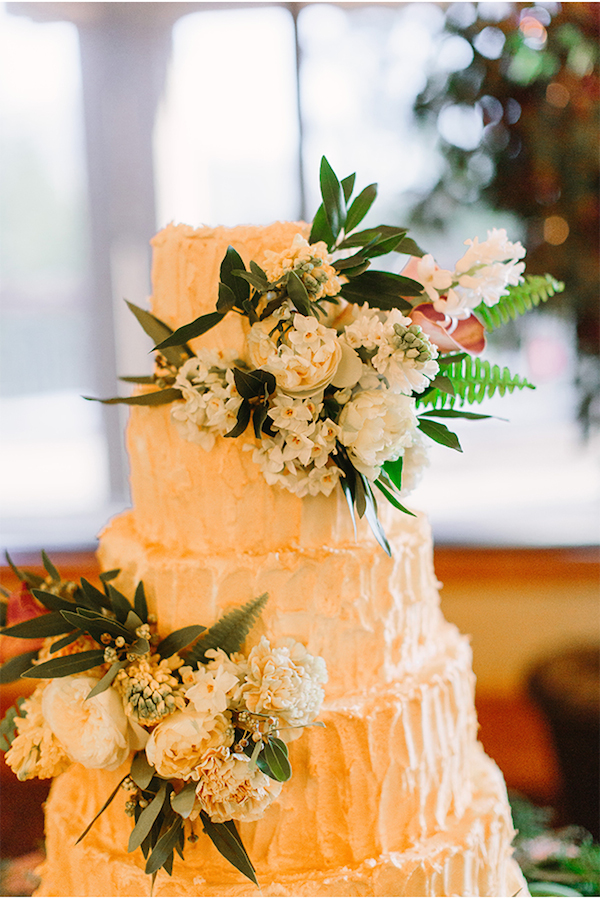 Tahoe Wedding Cake