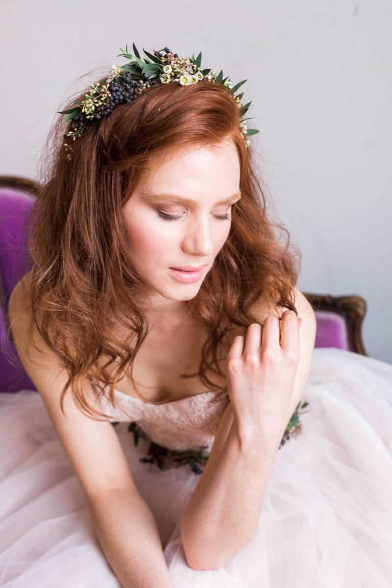 5 ways to wear flowers in your hair calgary wedding hair below tiny flowers foliage and berries are used to create a natural headband instead of your typical flower crown its a gorgeous look izmirmasajfo