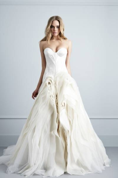 Wedding Gowns: Couture Designers You Need to Know | Calgary Wedding