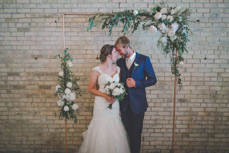 AN INDUSTRIAL CHIC GREEN BAY WEDDING | LIZ + JORDAN  | Green Bay ...