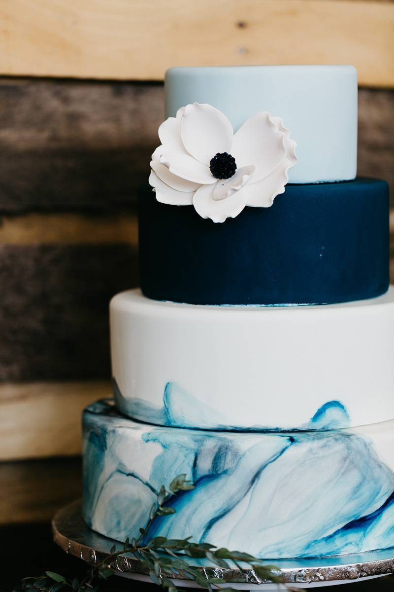 blue watercolor cake navy blue dusty blue cake