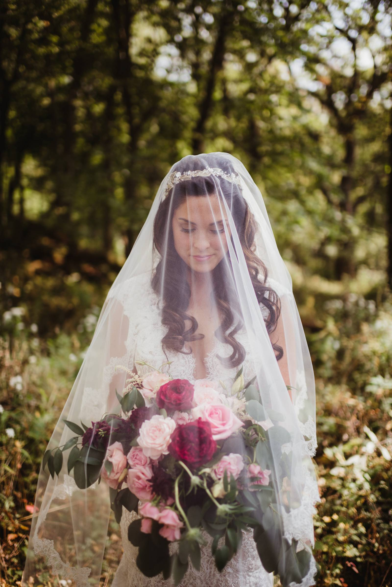 bridal gown veil bouquet