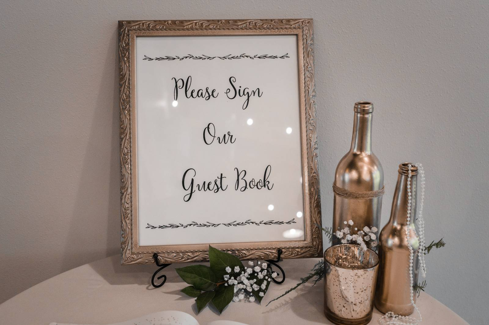 guest book sign display