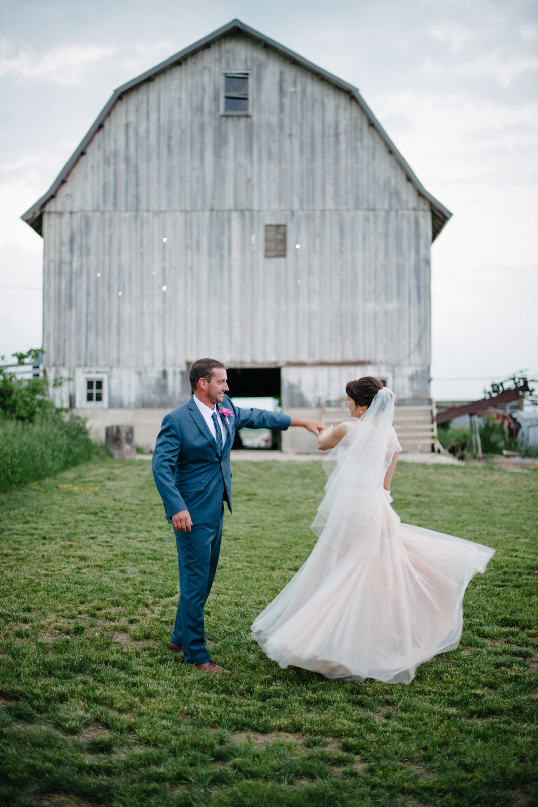 bride, groom, dance, barn wedding, wedding dress
