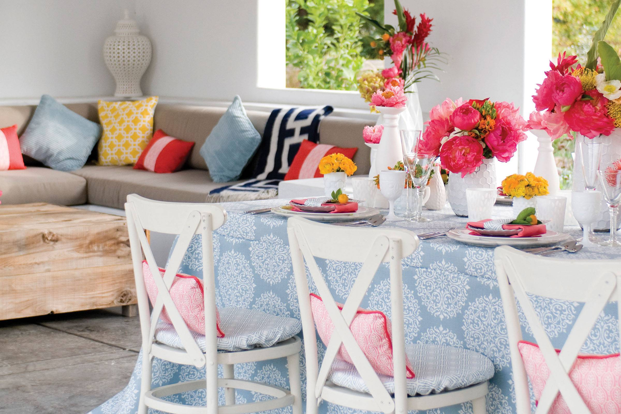 Multi-patterned linens with vibrant pink florals
