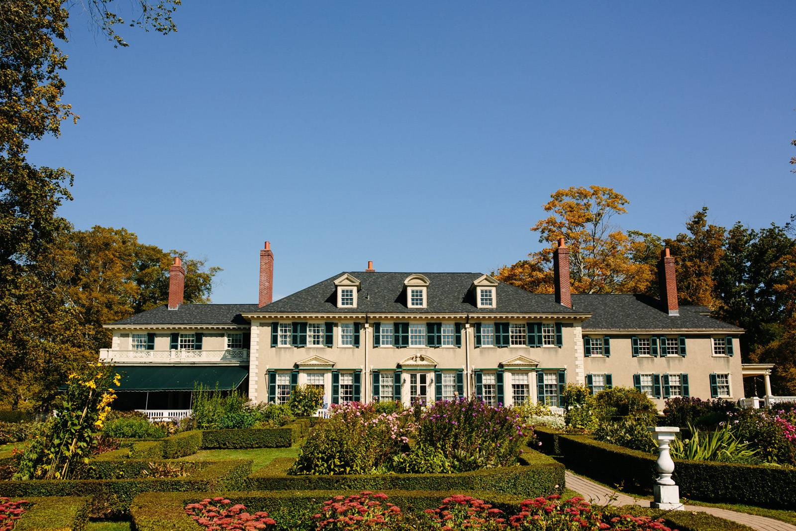 The mansion at Hildene in fall