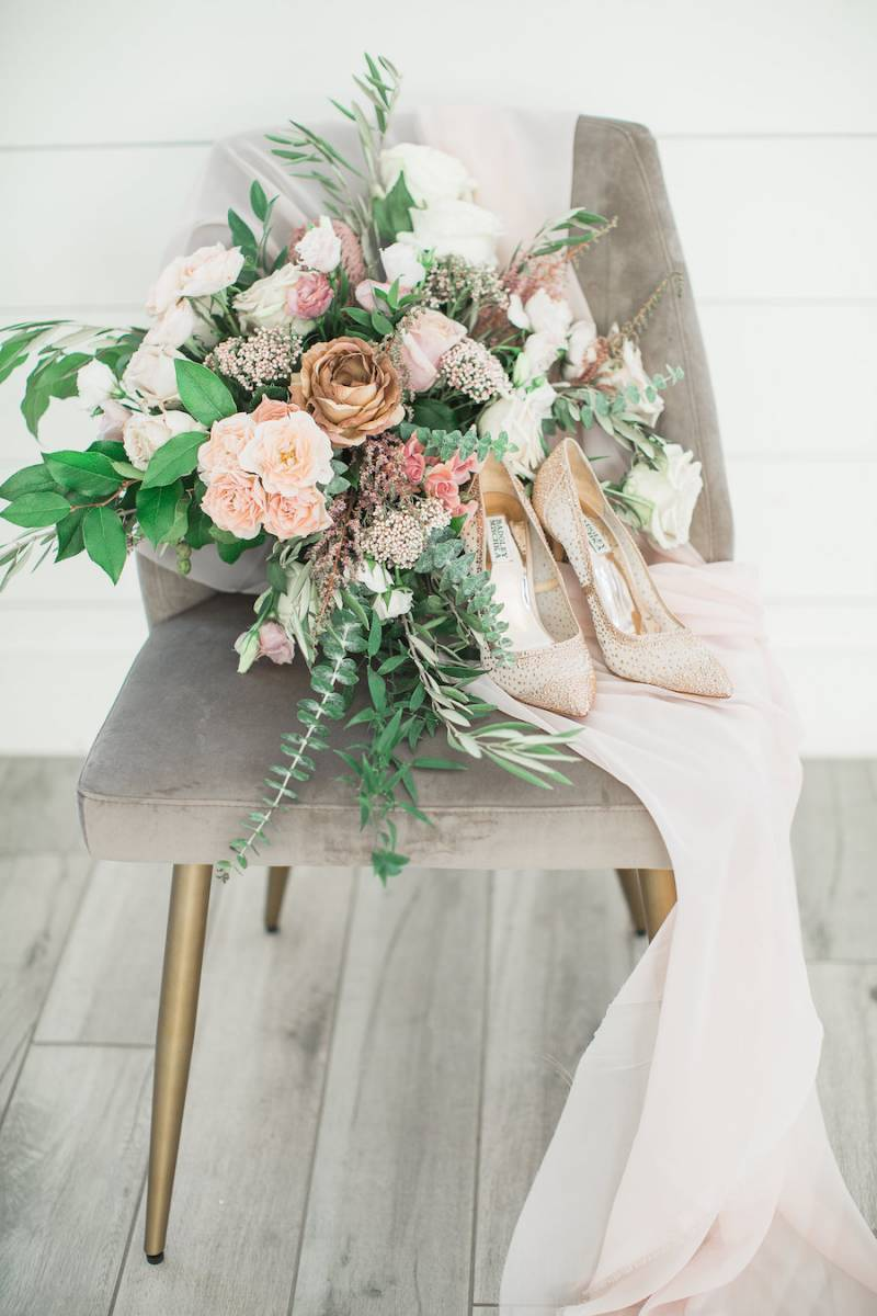 Bridal bouquet and details