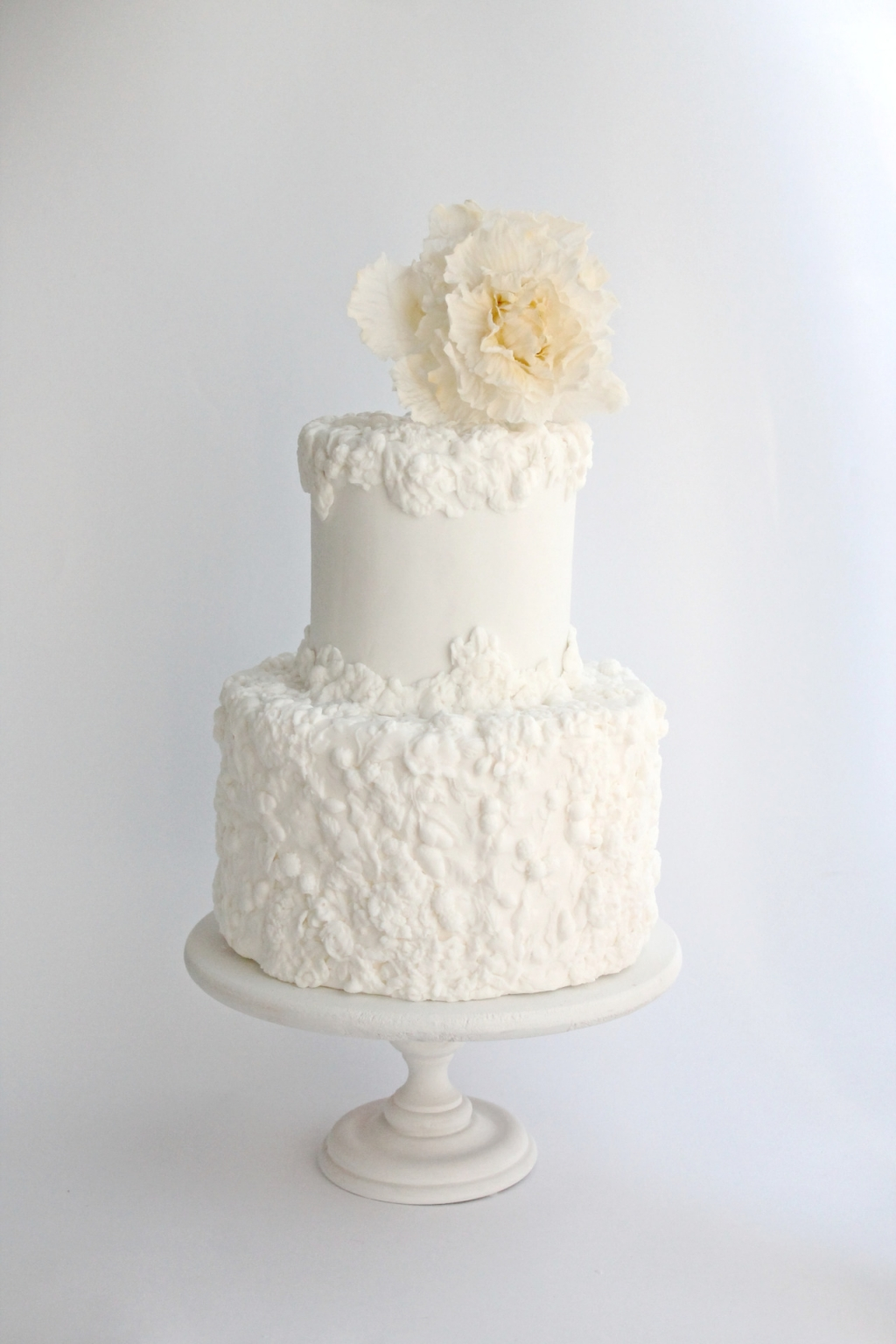 The Art of Sugar Flowers & Fine Wedding Cakes | Honolulu Wedding