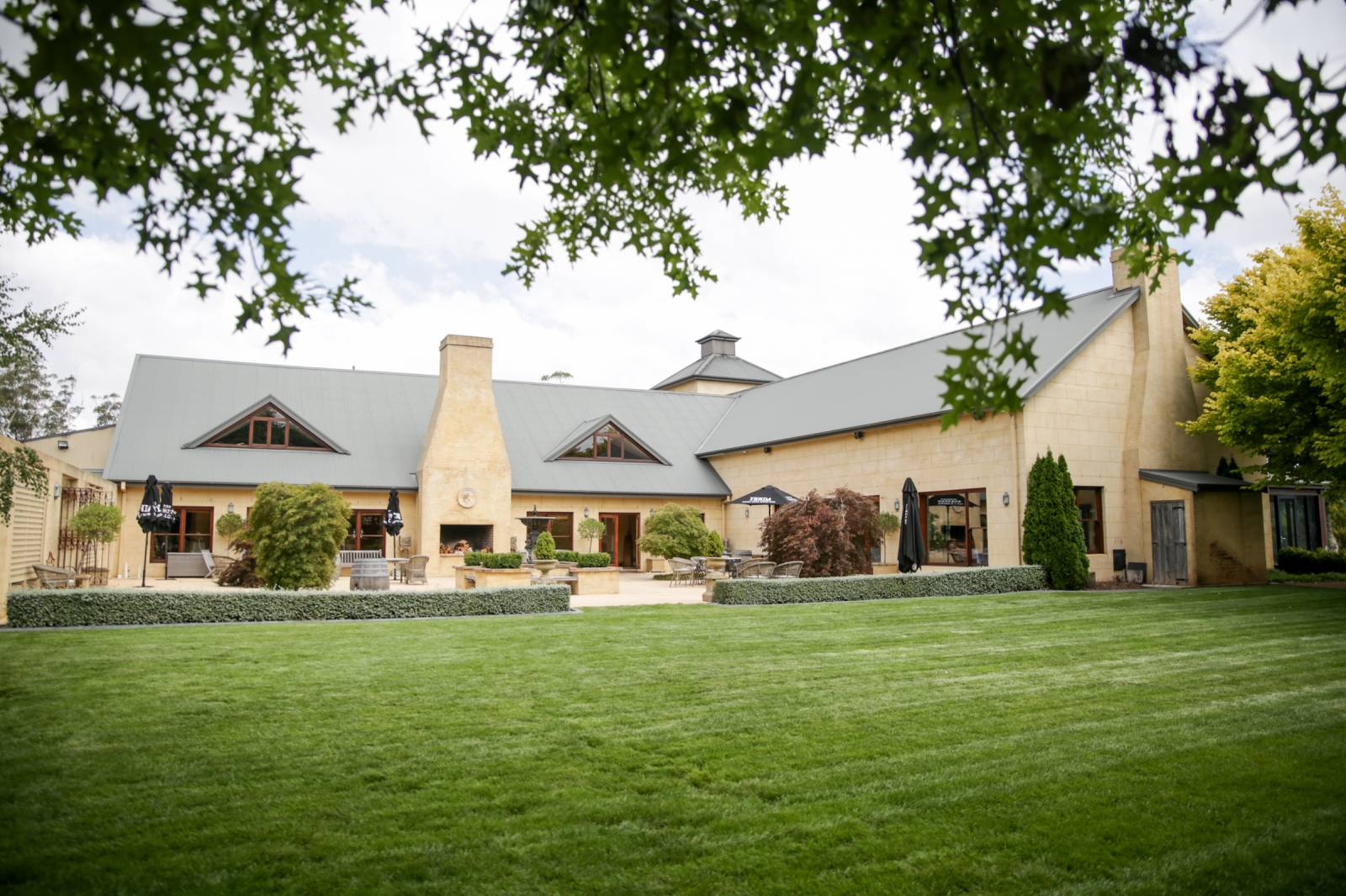 Centennial Vineyards Restaurant Courtyard