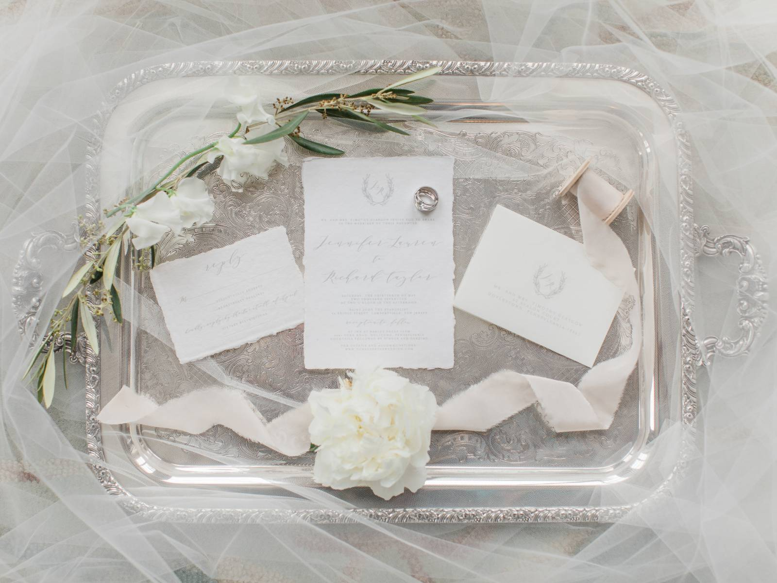 Romantic Tuscan-Inspired Wedding in a neutral colour palette ...