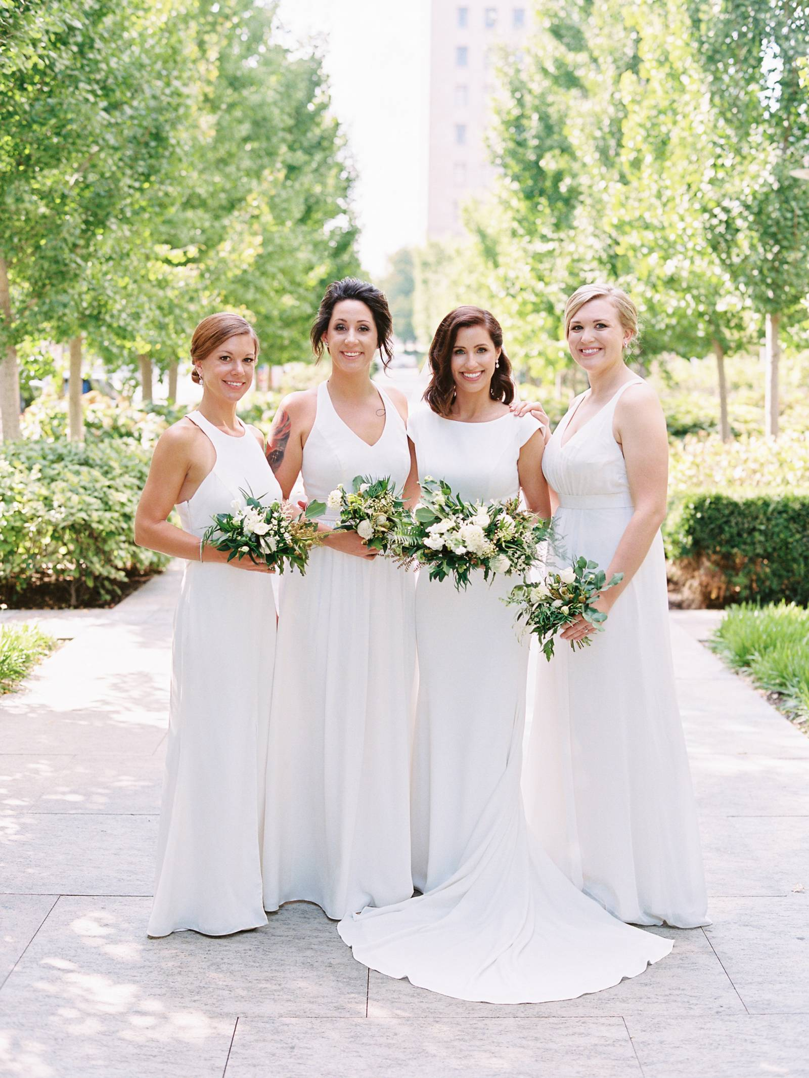 Modern minimalist wedding in st louis missouri missouri real how did you meet jeremy and i met during college we had mutual friends that decided to meet up and play a pick up game of baseball and while jeremy was a m4hsunfo