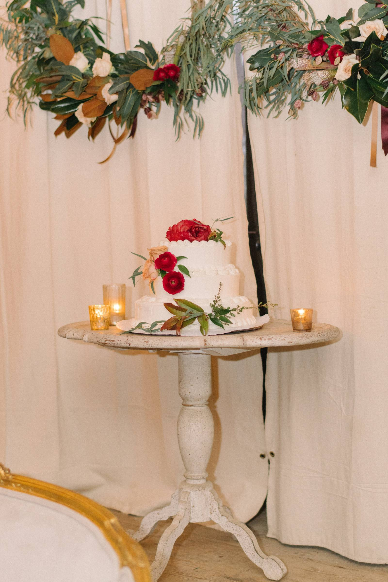 Asej rustic and cosy white winter wedding | pennsylvania real