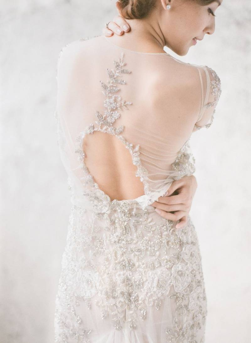 Keyhole lace wedding dress