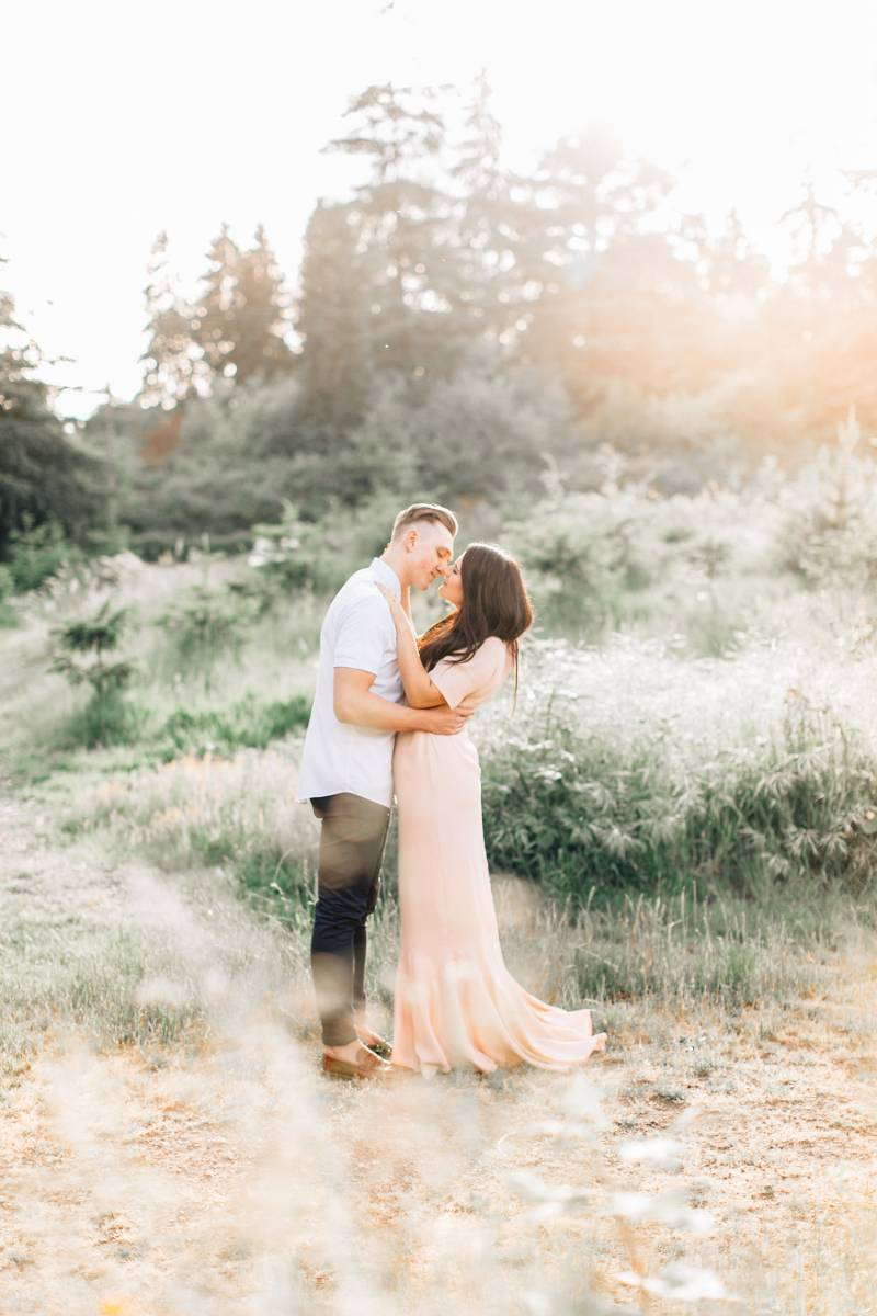 Awesome seattle wedding photographers seattle wedding photography you will be in the safest of hands with any of these 9 seattle wedding photographers junglespirit Image collections