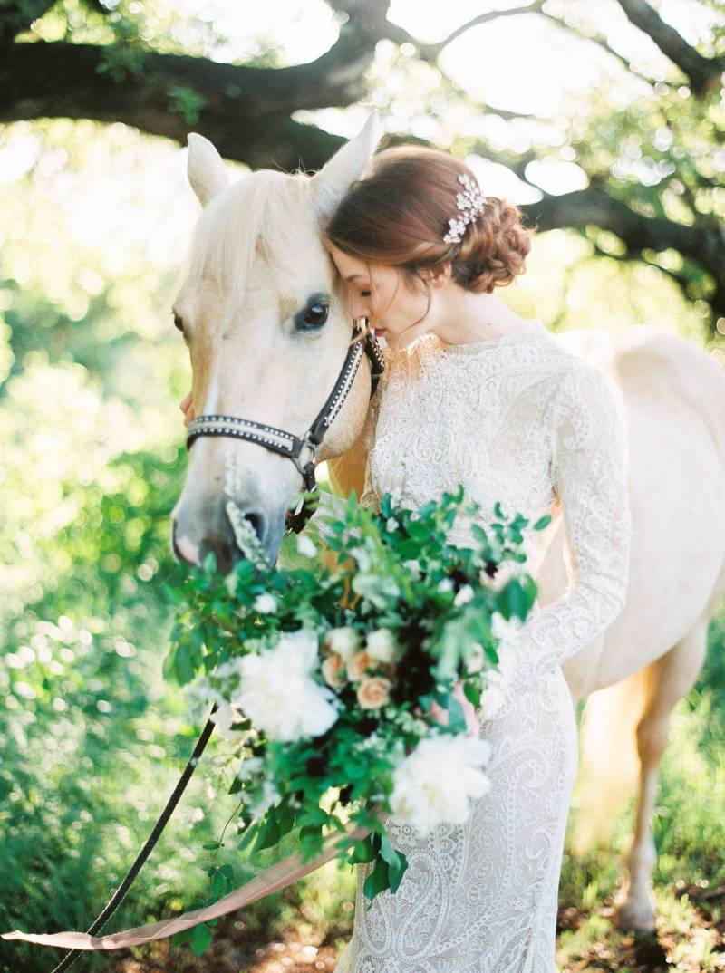 Romantic Elegant Wedding Inspiration With A Horse Texas Wedding Inspiration