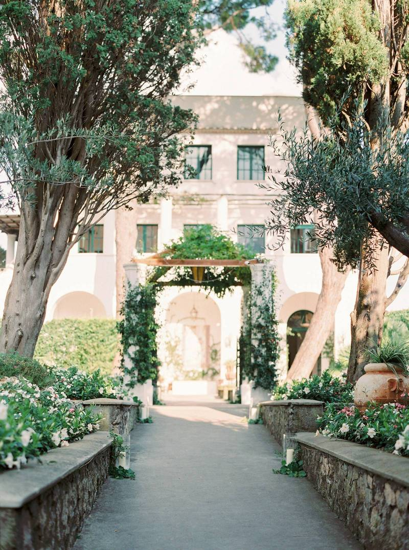 Isabelle From 2 Brides Photography Captured These Beautiful Images Of Their Day Around The Villa