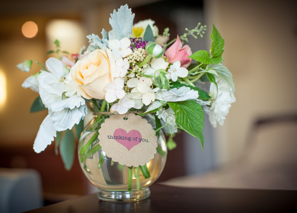 Brighten someone's day by donating your wedding flowers! http://applebrides.com/2013/11/14/the-full-bloom-spokane/