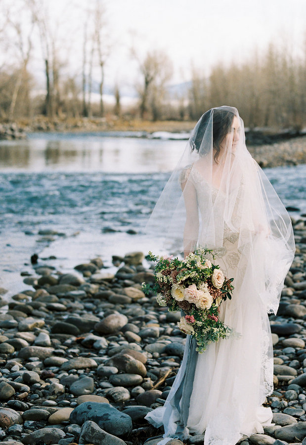 Airy & Romantic Snowy Shoot in Montana on Apple Brides