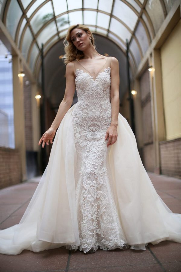 We Loved The Trend Of Detachable Trains That Give You Two Looks For Price One To Change Things Up Quickly Post Ceremony