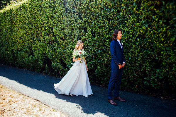 Cheery, Romantic Spring Bellevue Wedding