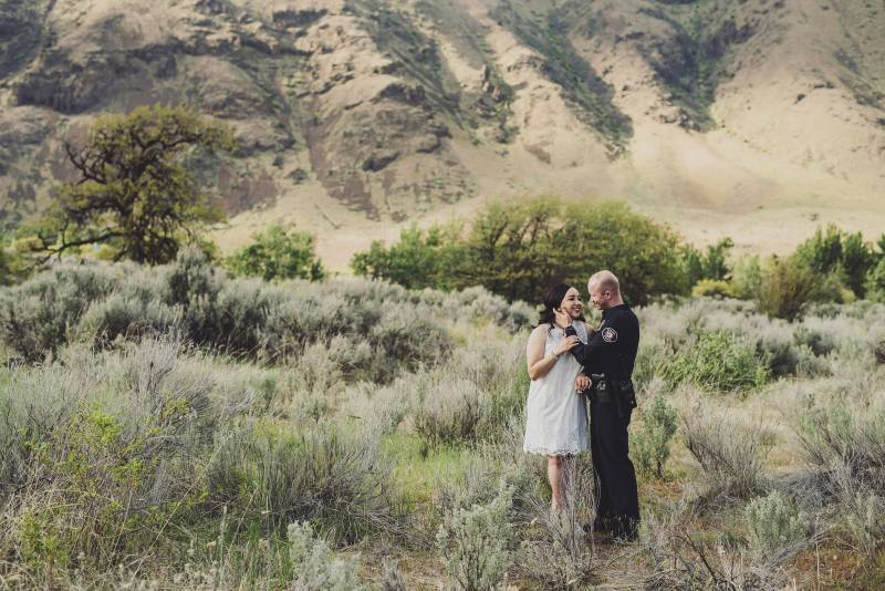 Yakima Engagement on Apple Brides