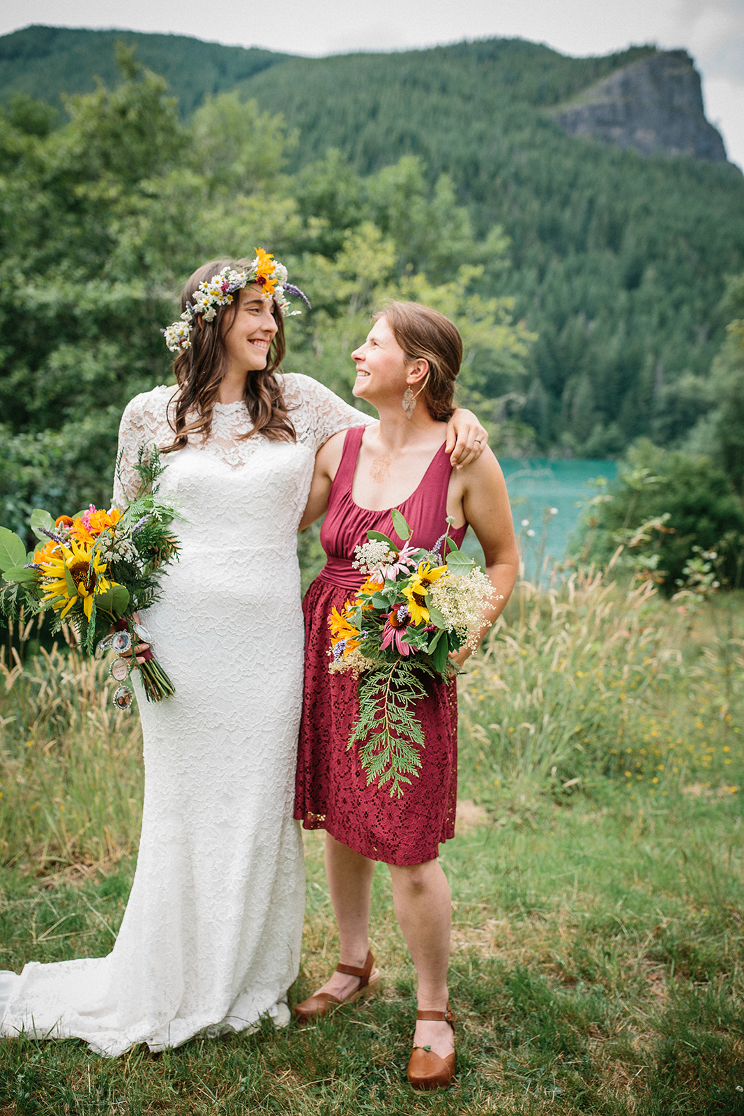 Simply Sweet Boho Chic Wedding at Rattlesnake Lake on Apple Brides