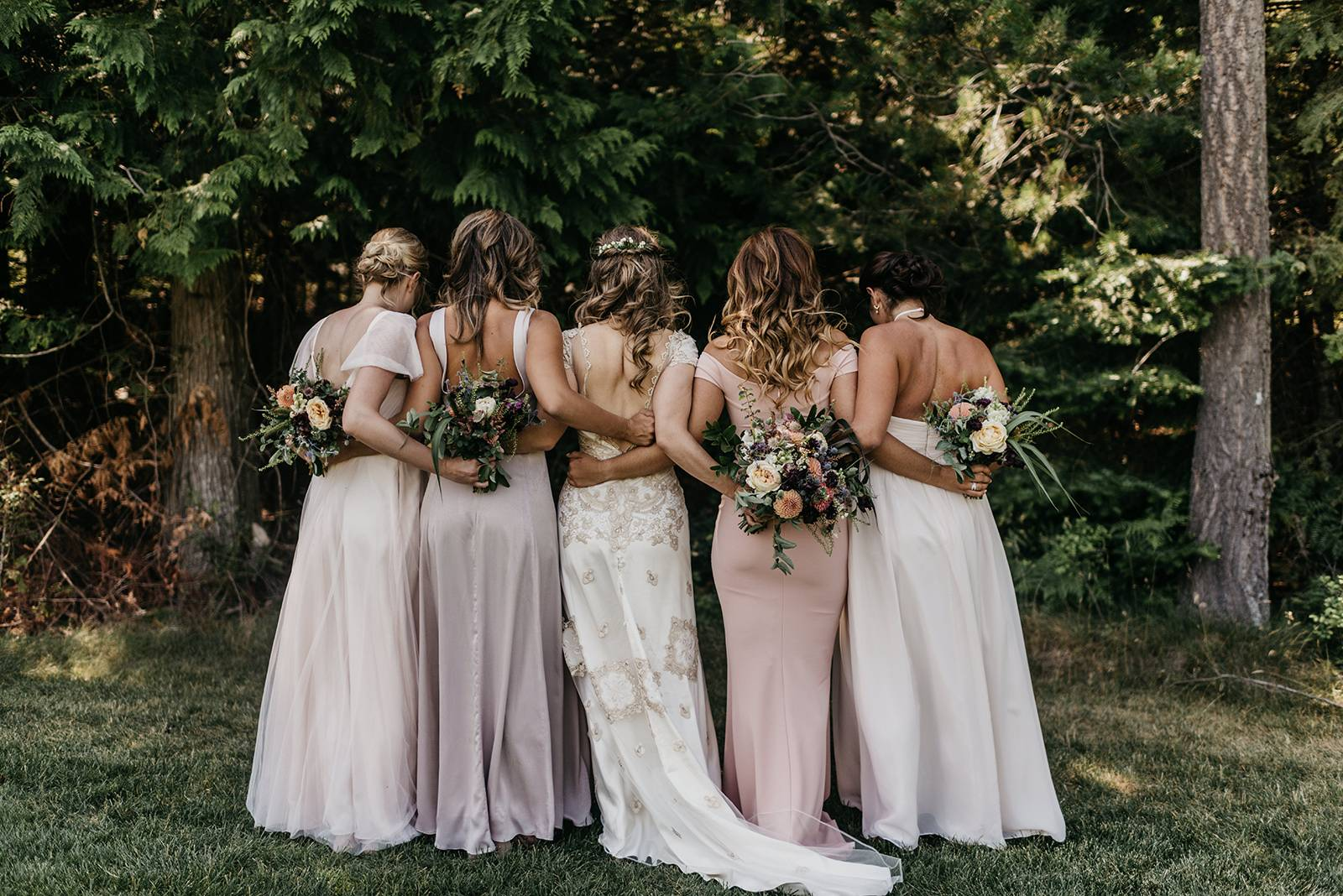 Heartfelt and Rustic Estate Wedding in Sandpoint, Idaho on Apple Brides