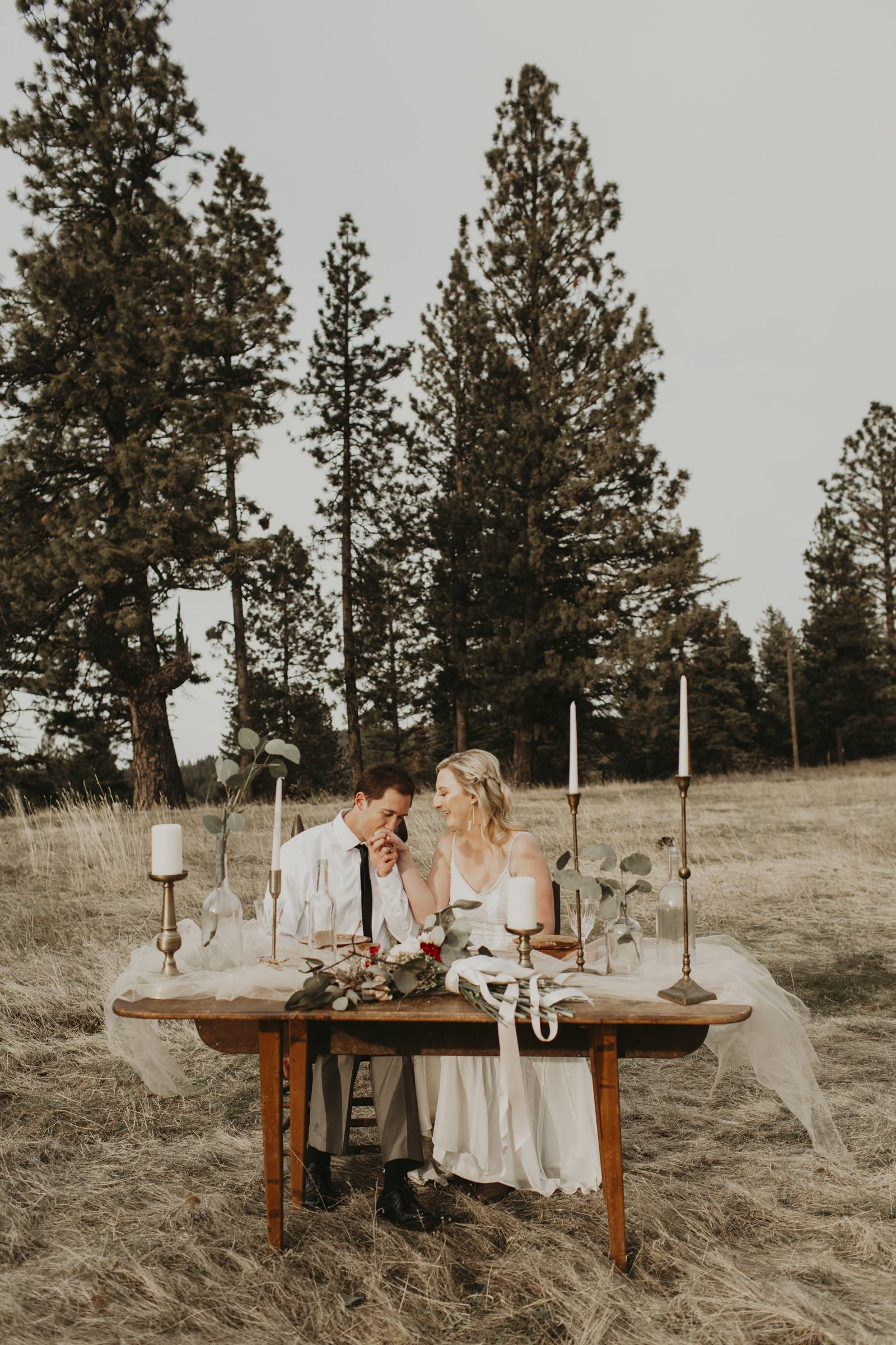 Vintage Sweetheart Table | Sweet Intimate Styled Elopement On The Palouse