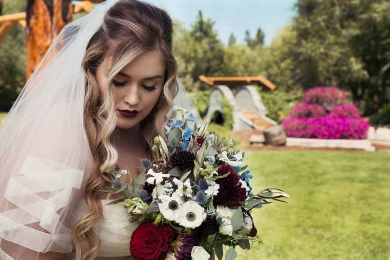 Romantic and Glam Early Fall Wedding Inspiration in Deer Park, Washington on Apple Brides